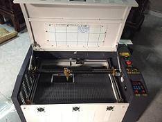 ứng dụng máy laser cắt mica