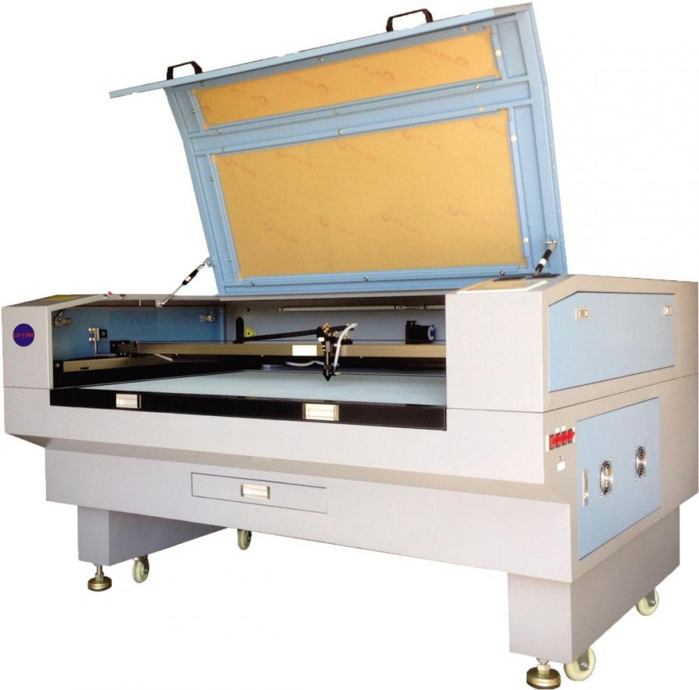 Địa chỉ cung cấp máy khắc laser 1610 cắt vải uy tín